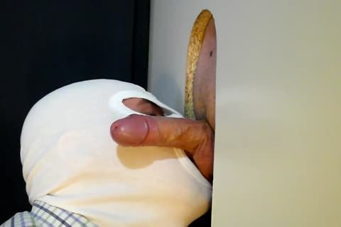 this day The 34 Year daddy Business guy From clip No. 37 Returned To My Gloryhole For another Suckoff. that chap Has Such A wonderful Piece Of meat To Slurp On. This Time that chap receives A Little Verbal Which I really Love! And Of Course that chap
